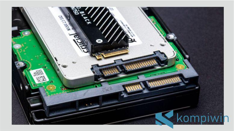 Bentuk Fisik SSD dan HDD