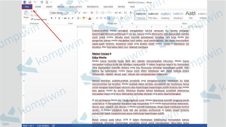 Klik Menu File - Menghilangkan Garis Merah Word