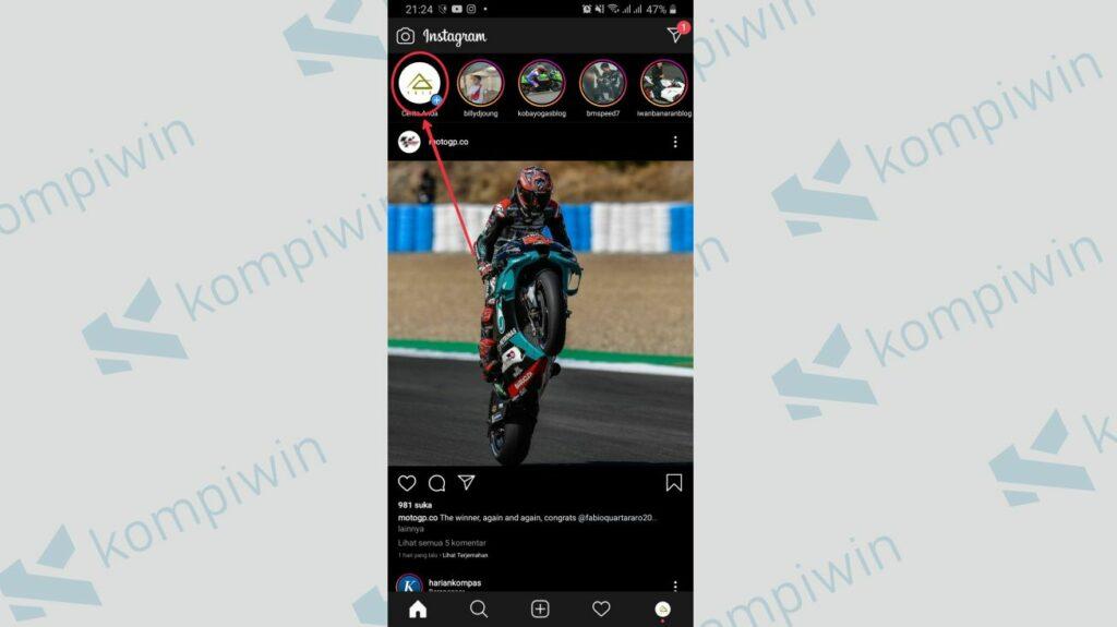 Buka akun instagram dan klik tambah story