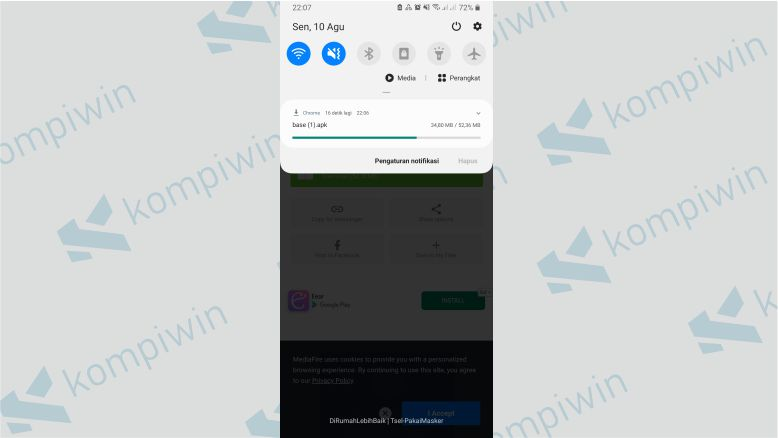 Tunggu Proses Download Base APK Selesai