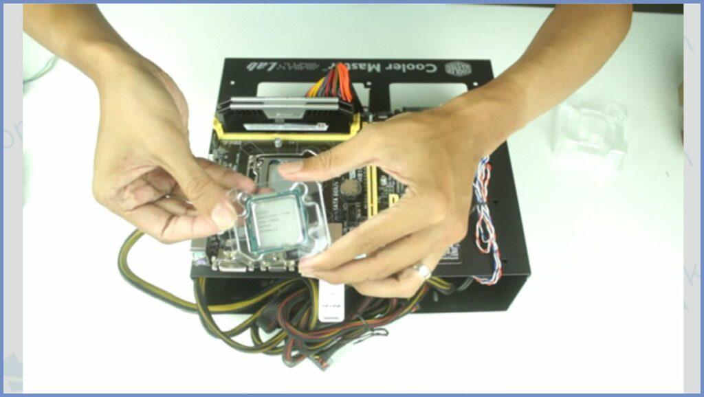 Proses Memasang Processor di Motherboard