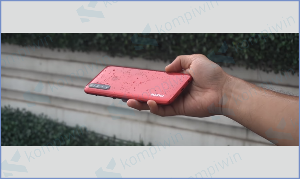 Handphone Terkena Air