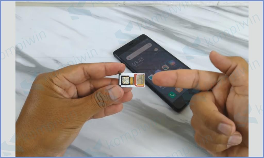 Lepas Dan Pasang Kembali Slot SIM Card