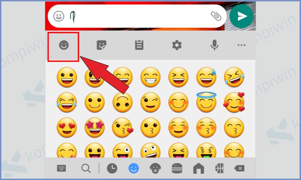 Tekan Fitur Emoji Dan Masukkan Salah Satu
